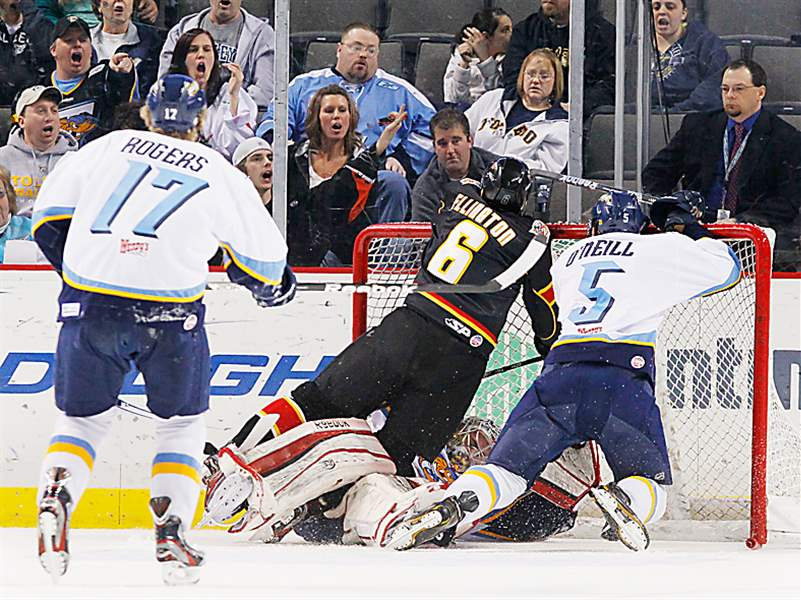 Walleye-collision-at-net