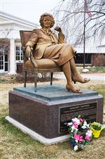 Thatcher-statue-at-Hillsdale