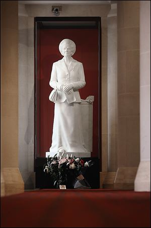 A 2-ton statue of Margaret Thatcher stands in the Guildhall Art Gallery in London. The statue was decapitated in 2002 by a theater producer.