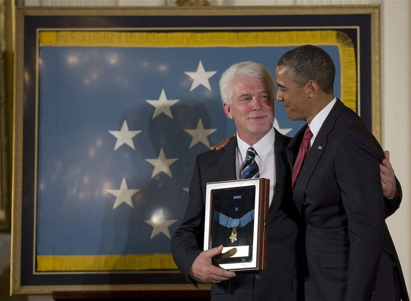 Obama-Medal-of-Honor-7