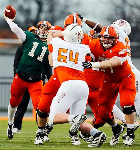 Quarterback-Matt-Johnson-BGSU-orange