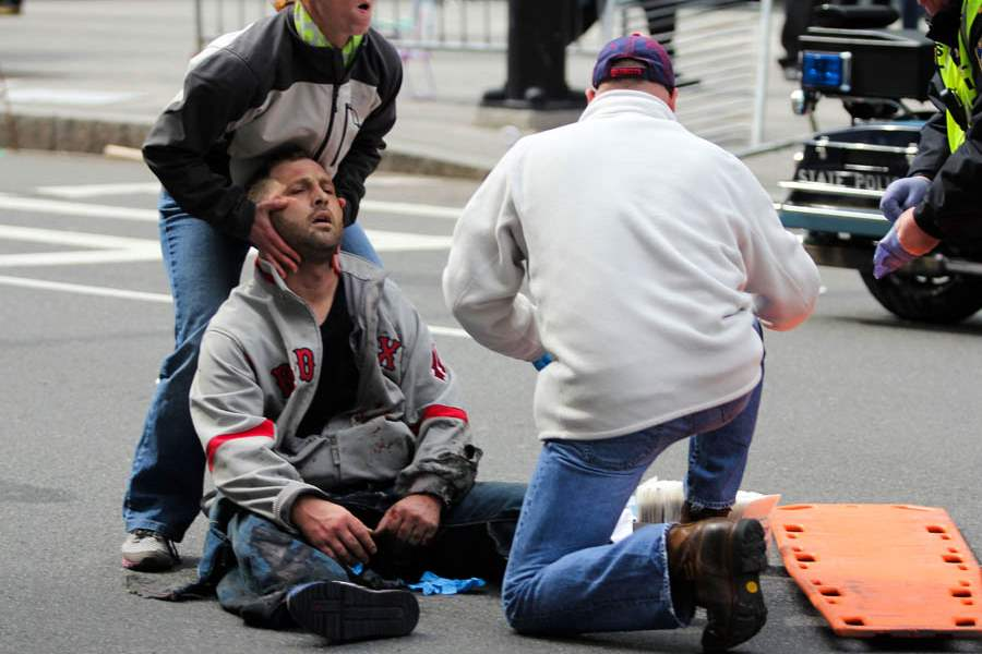 Boston-Marathon-Explosions-injured-man