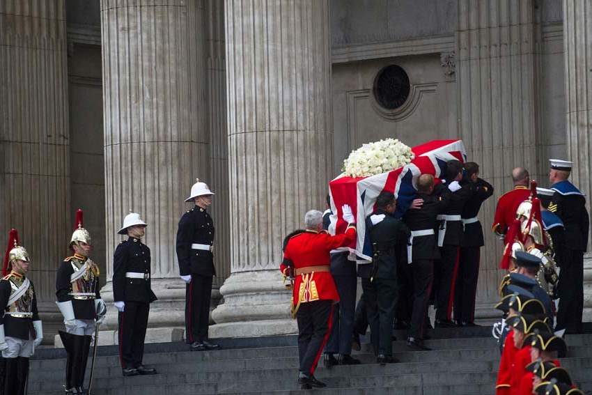 Britain-Thatcher-Funeral-COFFIN-INTO-CATHEDRAL