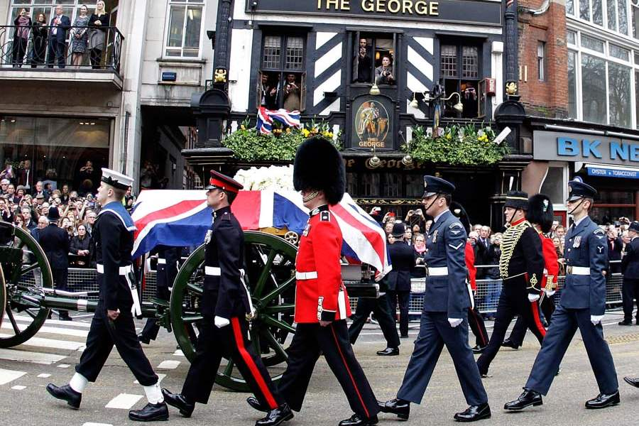 Britain-Thatcher-Funeral-carraige-passes-the-george