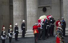 Britain-Thatcher-Funeral-flag-carried-to-cathedral