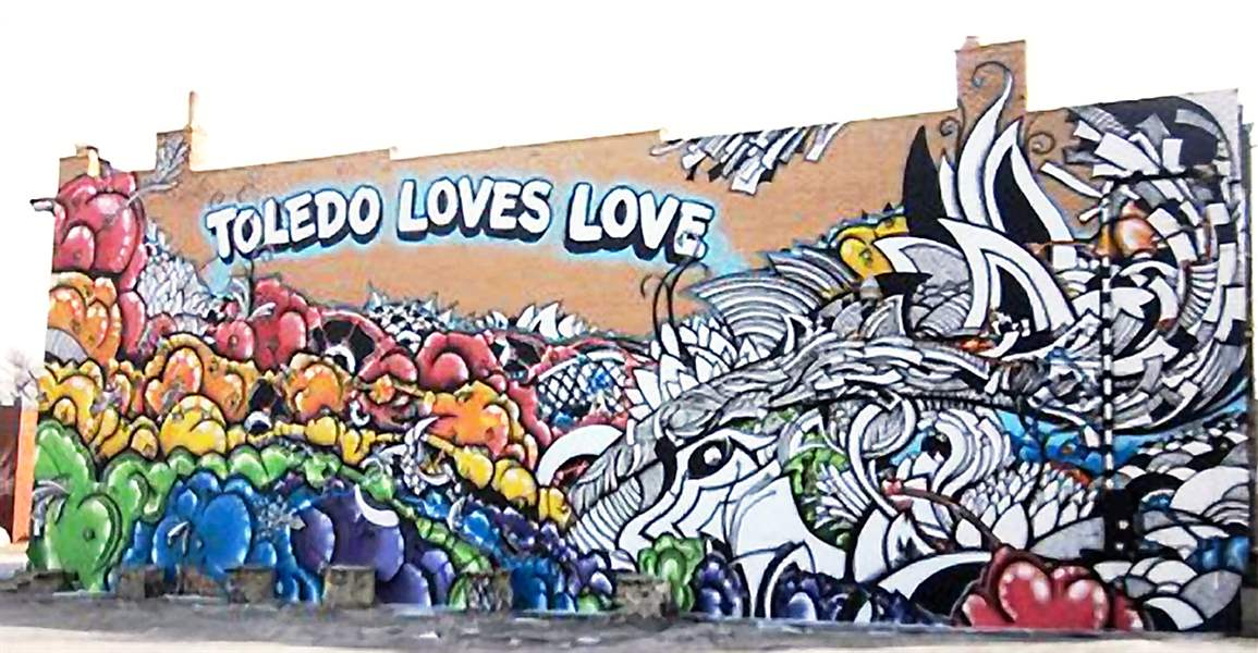 Toledo-Loves-Love-mural