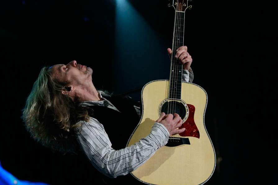 Tommy-Shaw-4-22