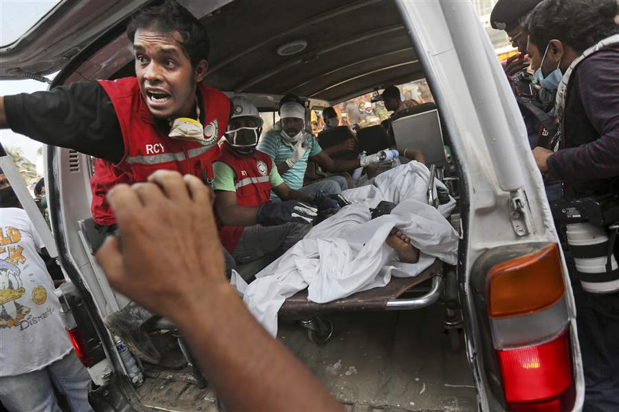 Bangladesh-Building-Collapse-38