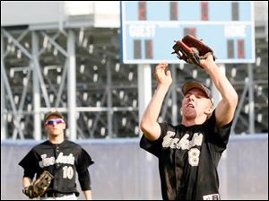 Perrysburg's Gus Dimmerling makes the catch.