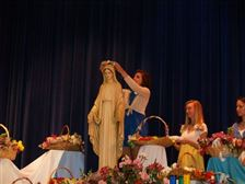 may-crowning-1