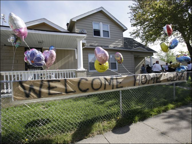 Missing Women Found DEJESUS HOUSE A 'Welcome Home Gina' sign hangs on a fence outside the home of Gina DeJesus in Cleveland.  DeJesus, Amanda Berry and Michelle Knight, who went missing separately about a decade ago, were found in a home just south of downtown Cleveland and likely had been tied up during years of captivity, said police, who arrested three brothers.