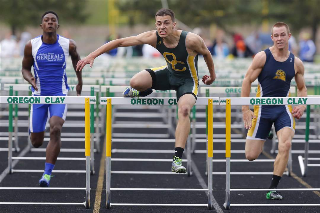 Clay-Invite-hurdles