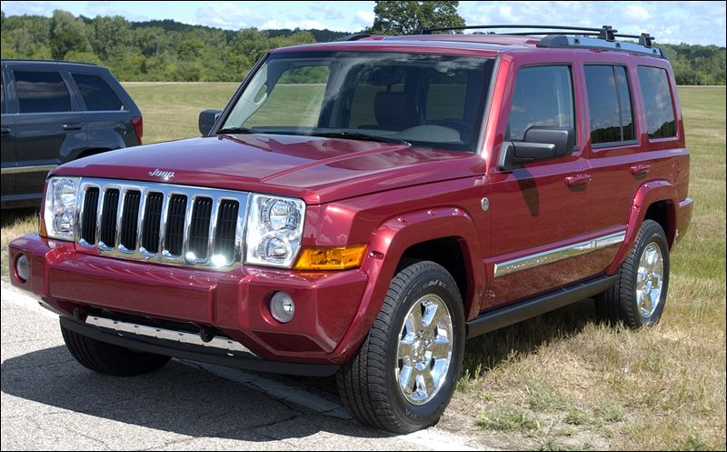 chrysler recalls 469 000 jeep suvs toledo blade. Black Bedroom Furniture Sets. Home Design Ideas