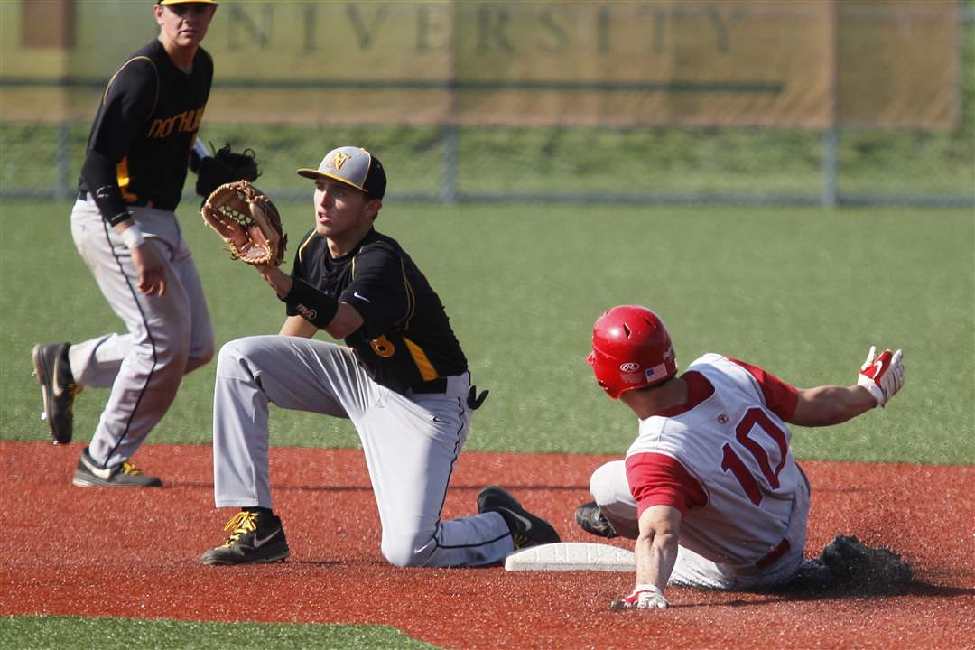 St-Francis-Northview-stolen-base
