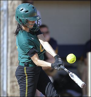 Lindsay Schiavone, a senior second baseman, is batting .314 with 21 RBIs.