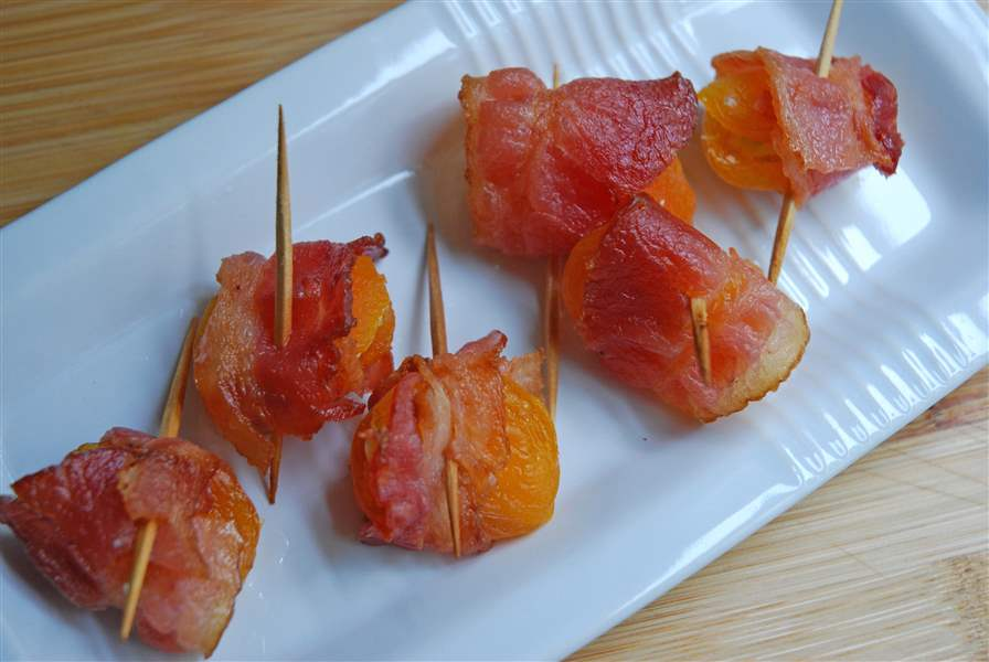 Bacon-Wrapped-Stuffed-Apricots-tooth-picks
