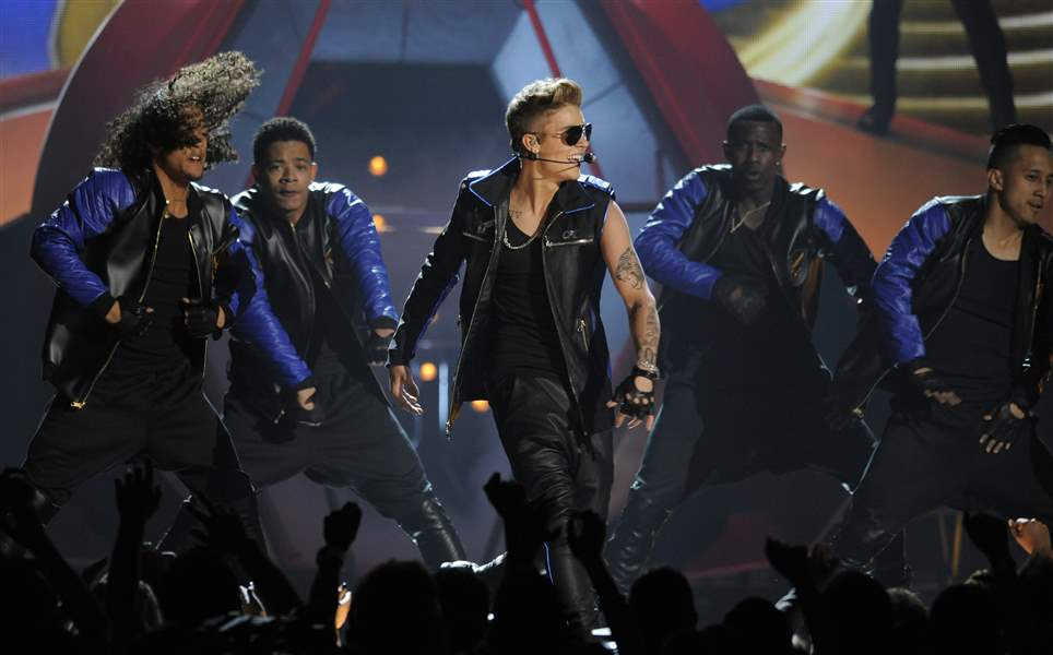 APTOPIX-2013-Billboard-Music-Awards-Show-5-20