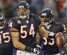 Urlacher-Retires-Bears-Football