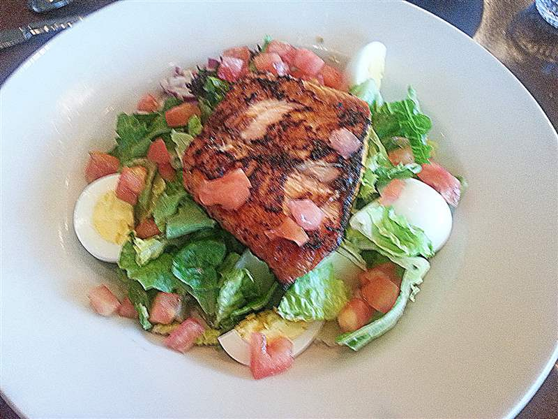 31-Hundred-Grilled-Salmon-Salad