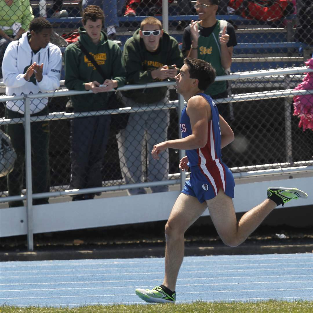 St-Francis-Kyle-Lach-wins-the-1600-meter-run