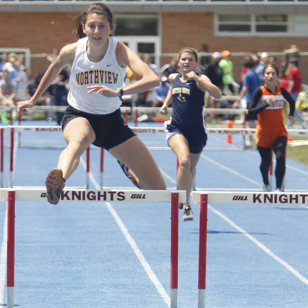 Northview-s-Janelle-Noe-wins-the-300-meter-hurdles