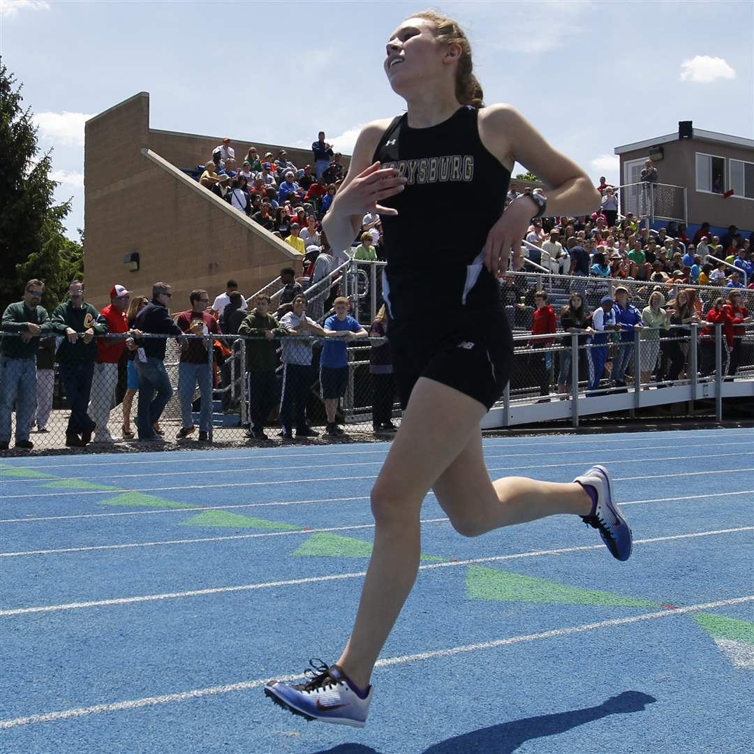 Perrysburg-s-Taylor-Monheim-leads-and-wins-the-3200-meter-run