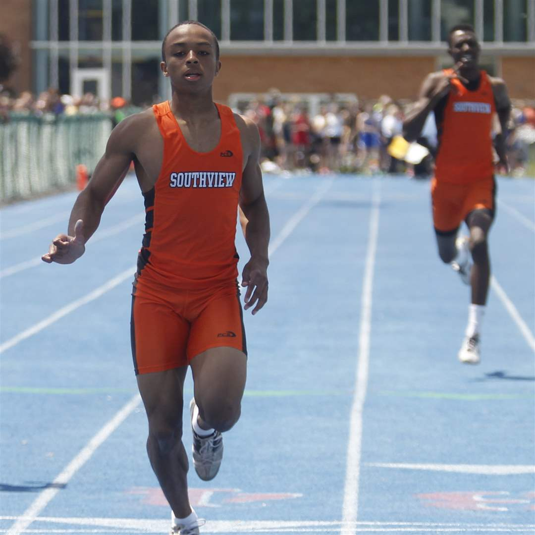 Southview-s-Malcolm-Johnson-wins-the-200-meter-dash-b