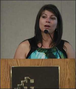 REL life25p Jenny Herr, of Metamora, speaking about the liver that her daughter, Allison (cq) Herr, now 9, received.