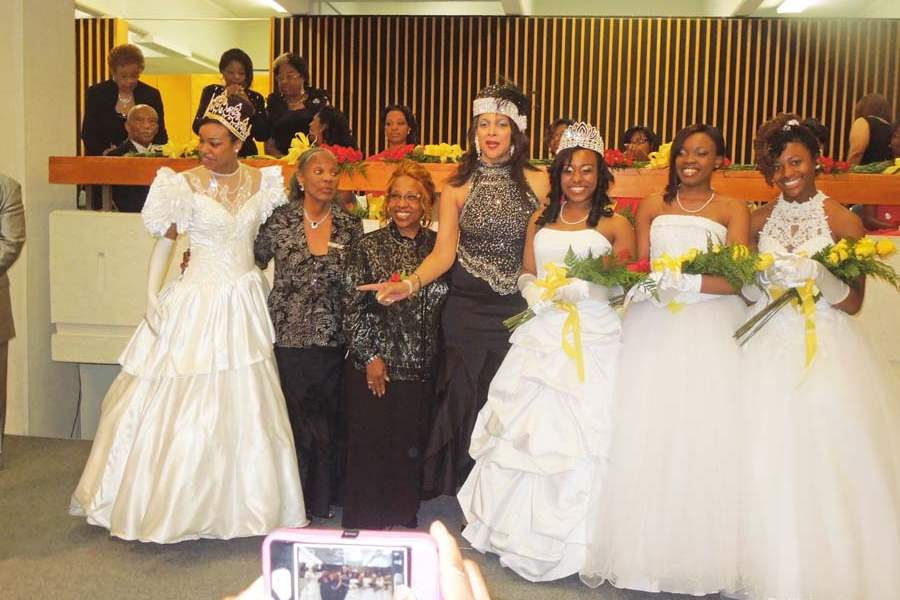 DSCN0124-jpg-miss-debutante-and-court-2013