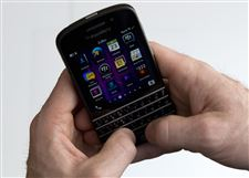 Digital-Life-Tech-Test-Blackberry-Q10-Phone-4