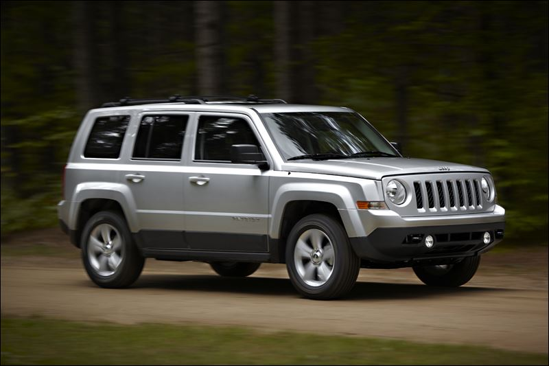chrysler agrees to recall 630 000 jeep suvs worldwide for. Black Bedroom Furniture Sets. Home Design Ideas
