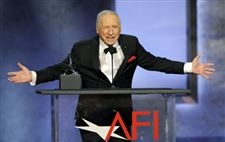 Honoree-Mel-Brooks-addresses-the-audience-du