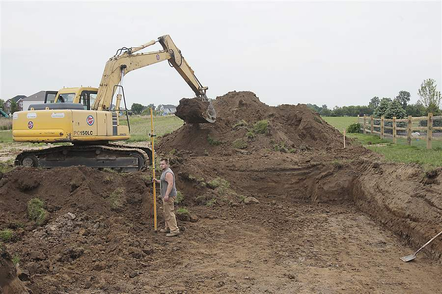 Home-building-bulldozer-Gibsonburg