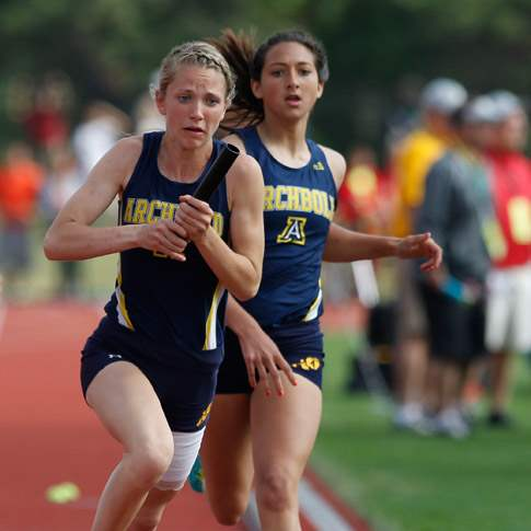 Archbold-s-K-Garrow-takes-the-baton-in-the-4x200-meter-relay