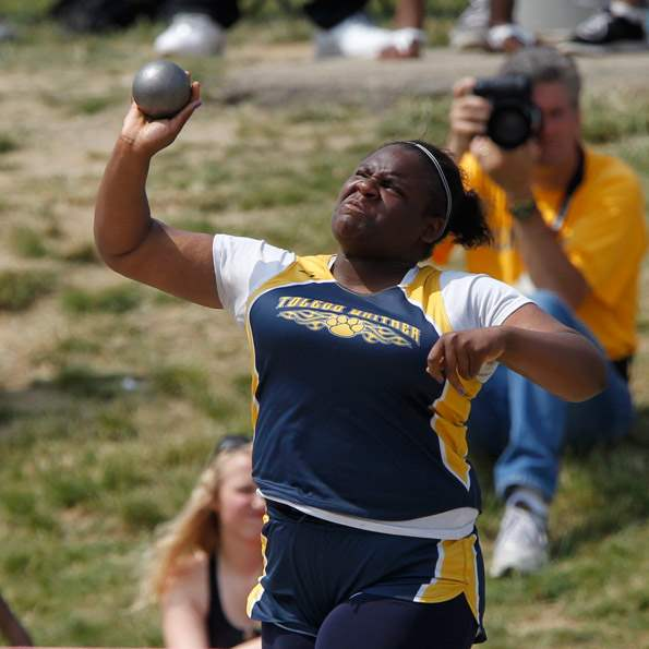 Whitmer-s-Tityana-Gardner-competes-in-the-2nd-heat-of-the-shot-put