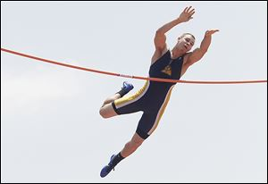 Whitmer's Nick Holley took sixth in the pole vault in the Division I state meet.