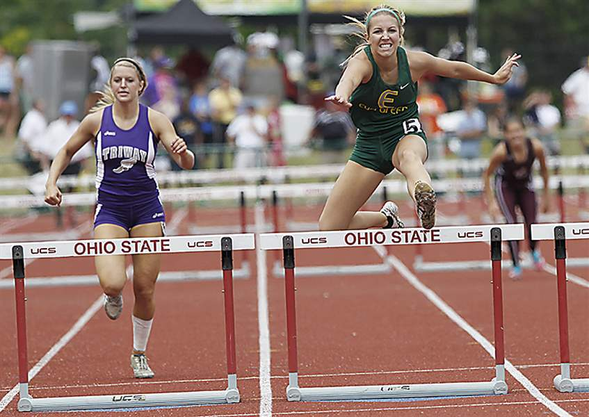 Evergreen-s-Carly-Truckor-wins-the-300-meter-hurdles-in-the-girls