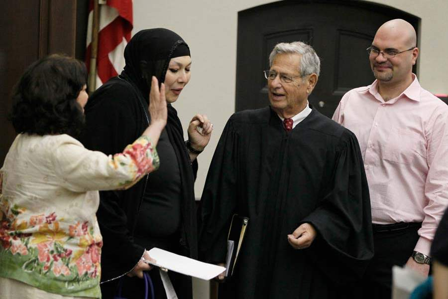 CTY-newcitizens11-judge-katz-albakri-family