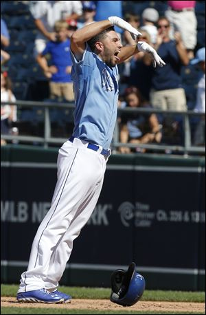 Kansas City Royals' Eric Hosmer celebrates his game-winning RBI single during the 10th inning.