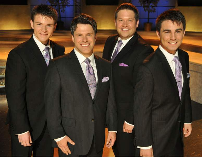 The-Southern-gospel-group-Declaration-with-Jake