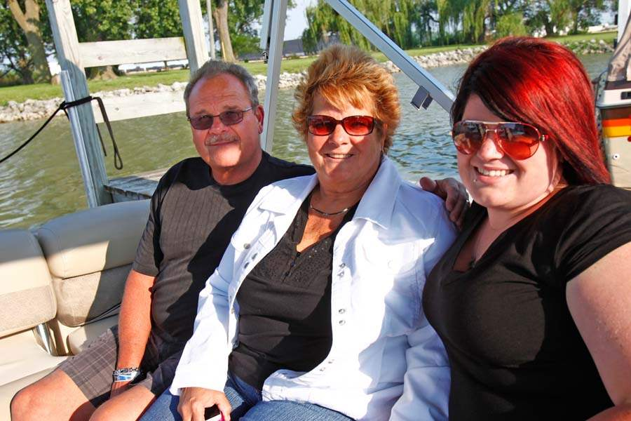 SOC-millsrace06p-Jim-Tina-and-Haley-Bashore