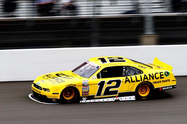 Sam-Hornish-Jr-takes-a-practice-lap