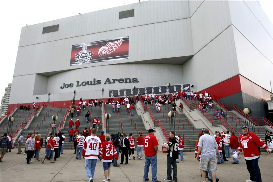 Red-Wings-New-Arena-Hockey-1