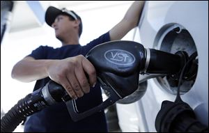 The average U.S. price of a gallon of gasoline has dropped 4 cents over the past two weeks.
