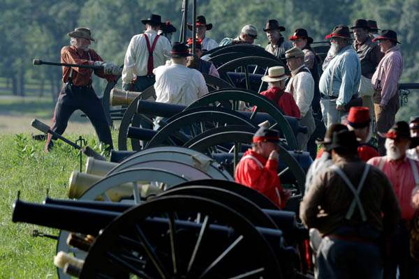 Gettysburg-150th-AnniversaryConfederate-reenactors-prepare-for-a-demon
