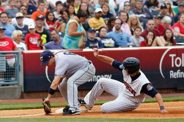 The-Mud-Hens-Jordan-Lennerton-is-late-on-the-sl