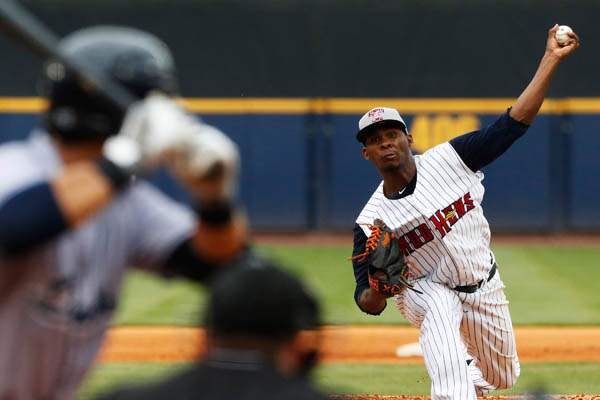 The-Mud-Hens-Ramon-Garcia-pitches-in-the-top-of-the-third