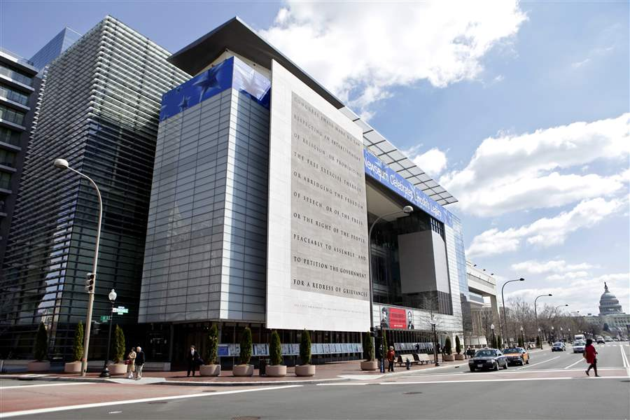 Newseum-Finances
