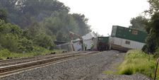 Derailed-Norfolk-Southern-railcars-b