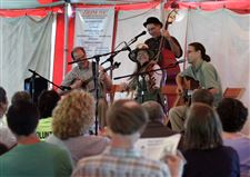 The-Root-Cellar-String-Band-performs-during-the-OHIO